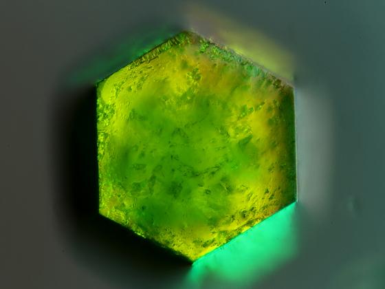 Hexagonaler Kristallblock